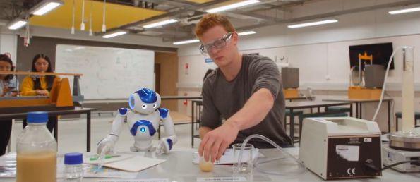工程系 | 跟随小小机器人探索工程学的世界!